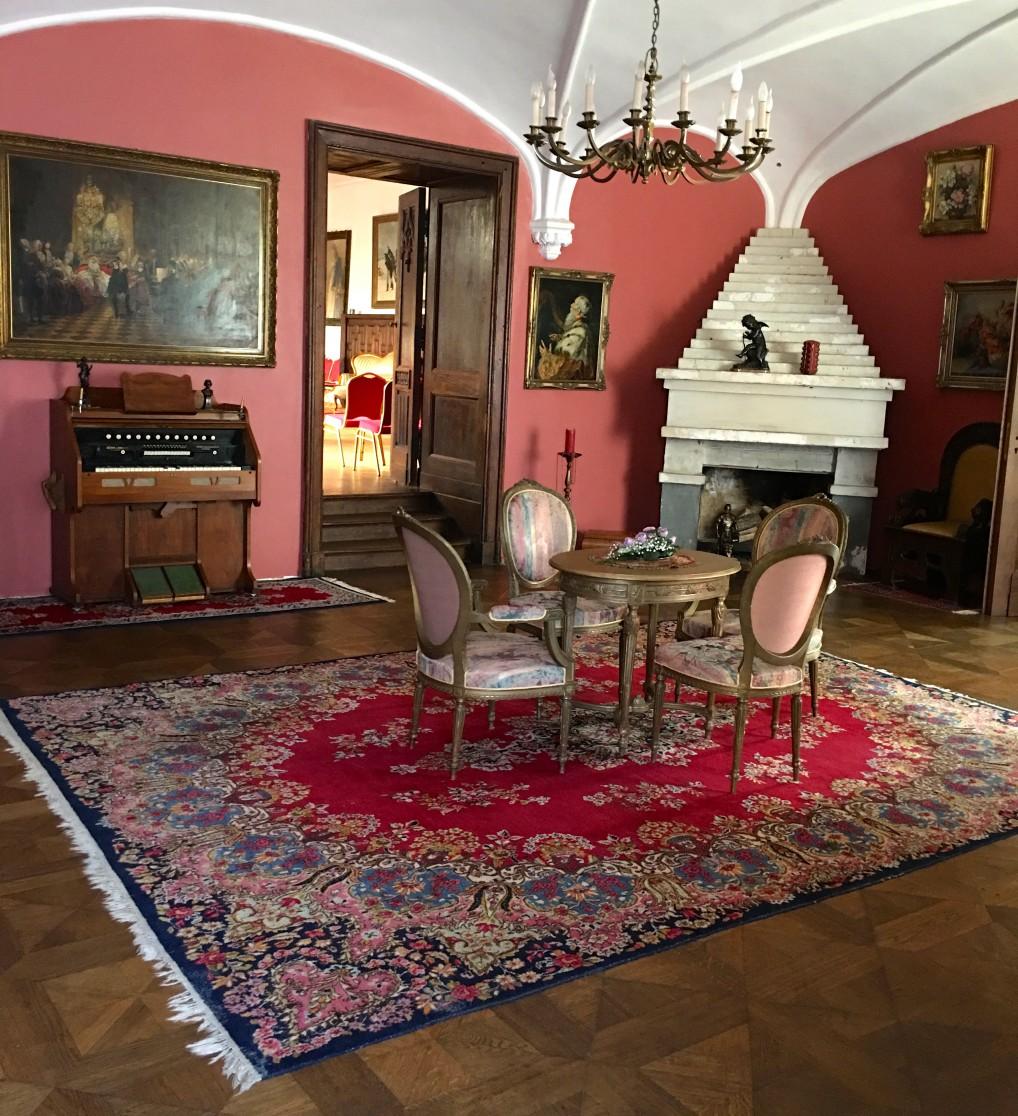 museum og interiør på Edoles Castle