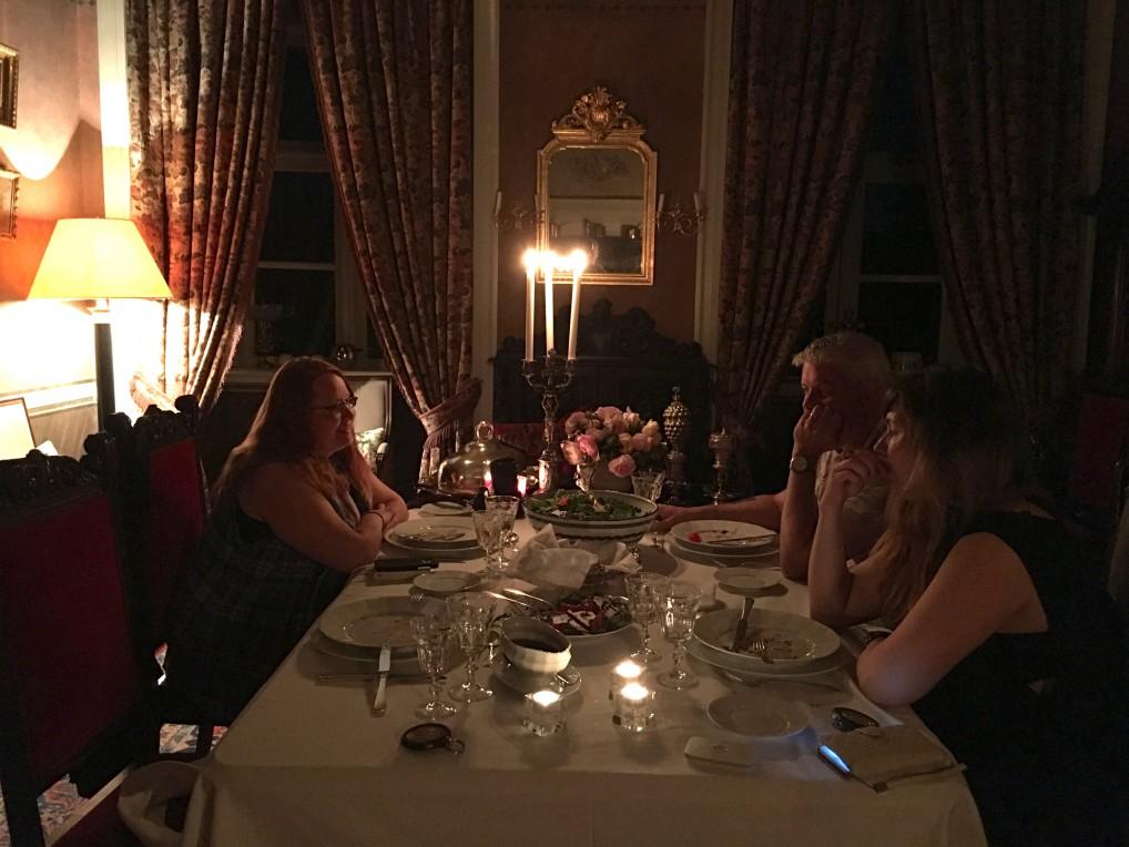 middag-med-folk