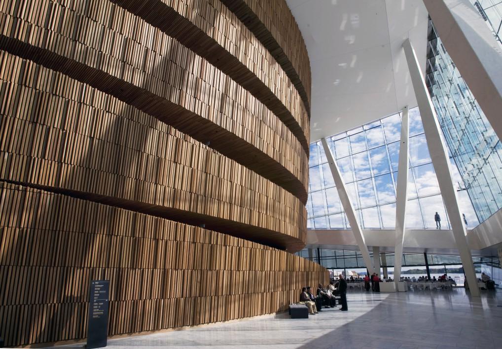 Operaen i Oslo på innsiden er et vakkert skue (foto:erik berg)