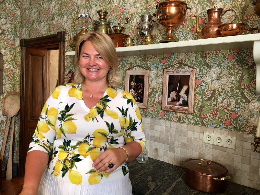 Lauska Egita, eieren av Liepupe Manor, har hatt en finger med i alle detaljer på herregården.