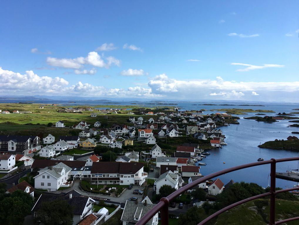 Formidabel utsikt over Kvitsøy fra toppen av fyret.