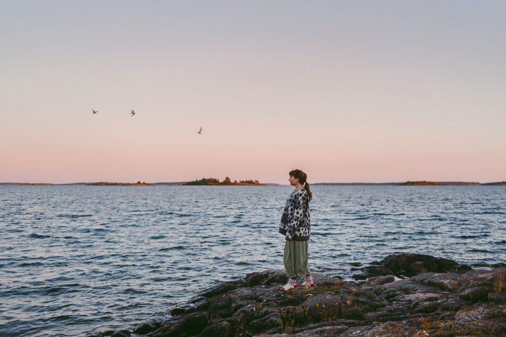 Ferietips 8. Åland hører til Finland, men det snakkes både svensk og finsk her. Øyer har de så mange av, at de leier dem ut. Foto fra Äntligen Vilse.