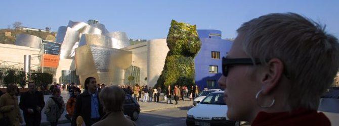 Se: Guggenheim og blomsterhunden i Bilbao