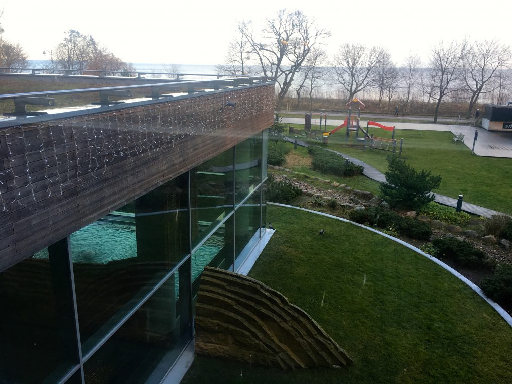 Glemte et basseng, på toppen av bygget er det et basseng som er åpent om sommeren og på nyttårsaften!