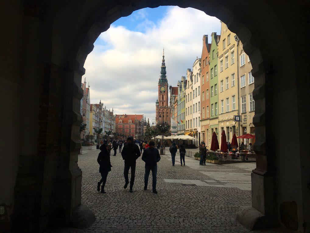 Rett til venstre for byporten finner du Radisson Blu. Et godt og billig hotell i Gdansk sentrum.