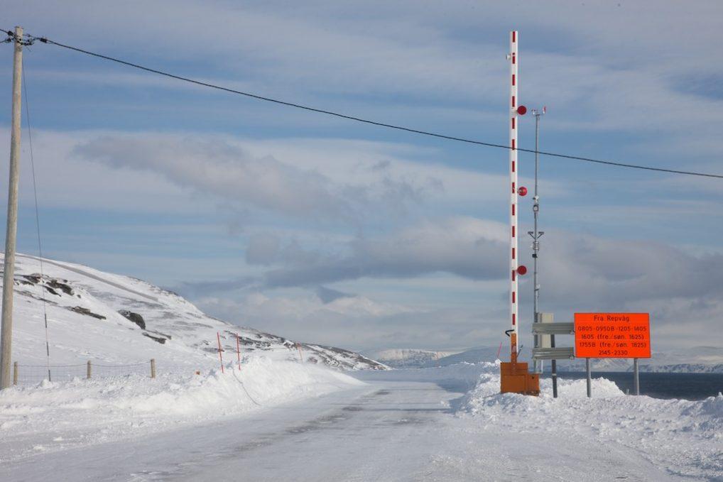 Kolonnekjøring i Finnmark er ikke sjelden, her er tidene oppgitt fra Repvåg mot Nordkapp.